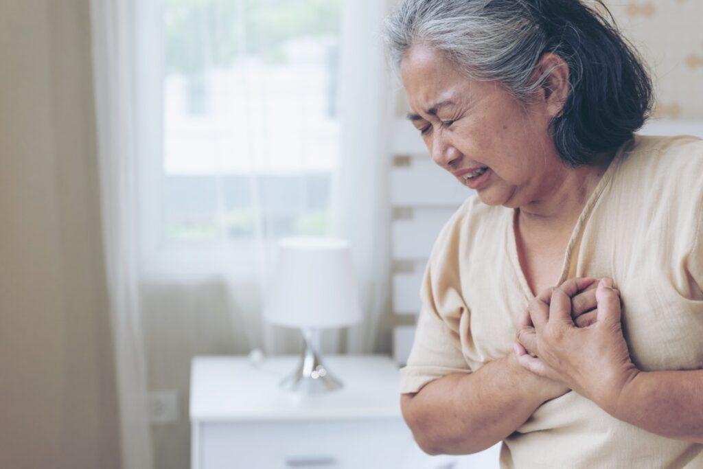 Göğüs Ağrısına Sebep Olan Hastalıklar Nasıl Teşhis Edilir?