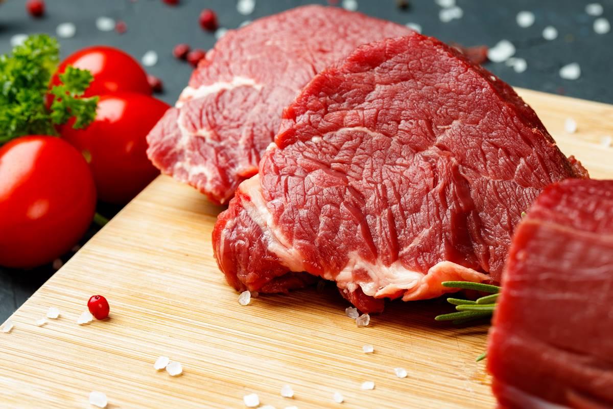 Kanlı Eti Farklı Yöntemlerle Pişirmeden Önce Yıkamak Gerekir mi
