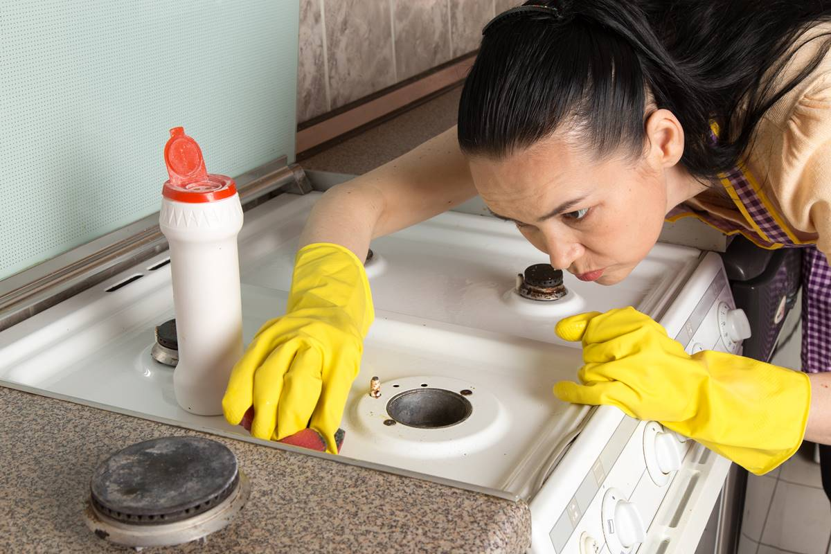 Ocak Temizliği Yapanlara En Kolay ve Pratik 3 Öneri