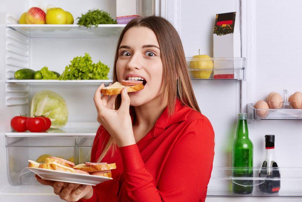 Sürekli Açlık Hissetmenin Nedenleri