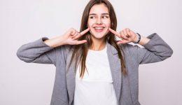 Gülüşünü Güzelleştirmek için Aşağıdaki 3 Adımı İzle