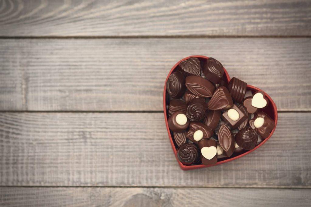 Göbek Eriten En Lezzetli Yiyecek Bitter Çikolata