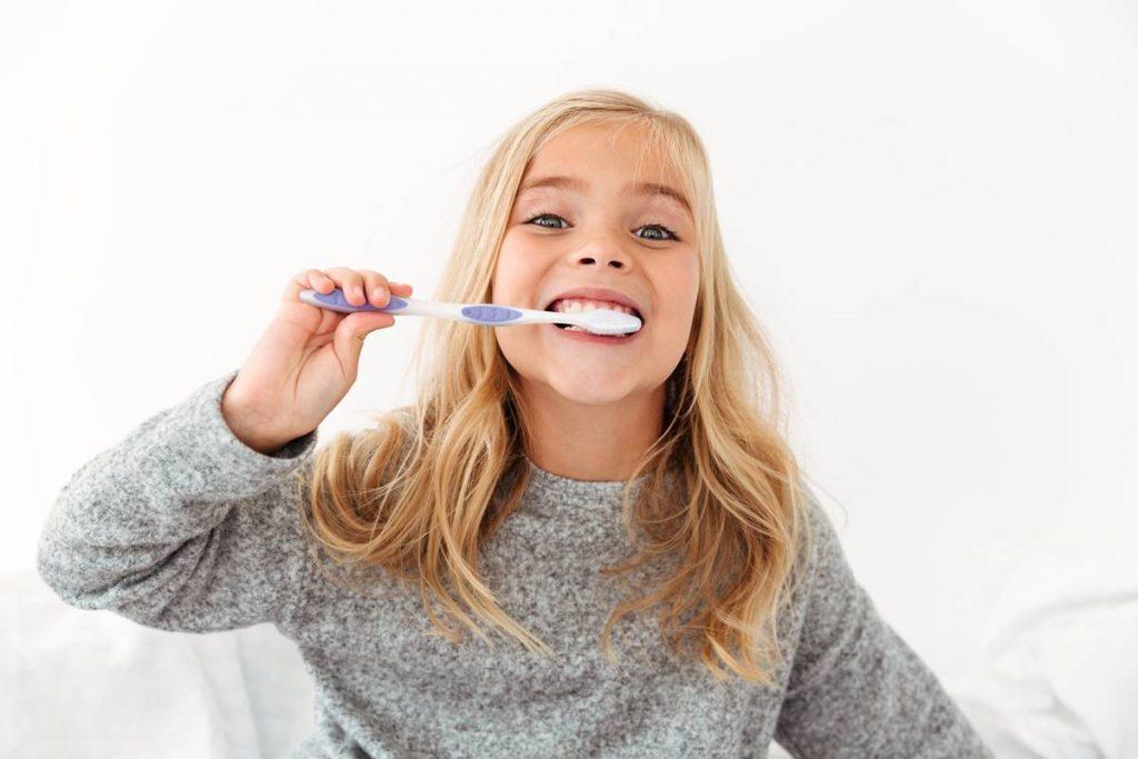 En Çok Merak Edilen Sorulardan Ekstra Yumuşak Diş Fırçaları, Normal Olanlardan Daha Mı İyi?