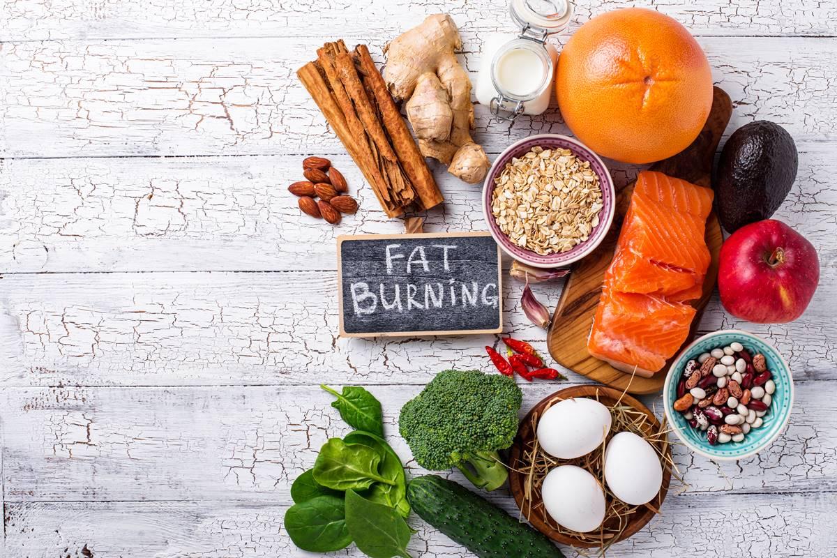 Göbek Eriten Yiyecekler Listesi ve Tavsiyelerle Kilo Verin