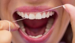 Diş İpi Nasıl Kullanılır? Kullanım Amacı ve Faydaları Nelerdir?
