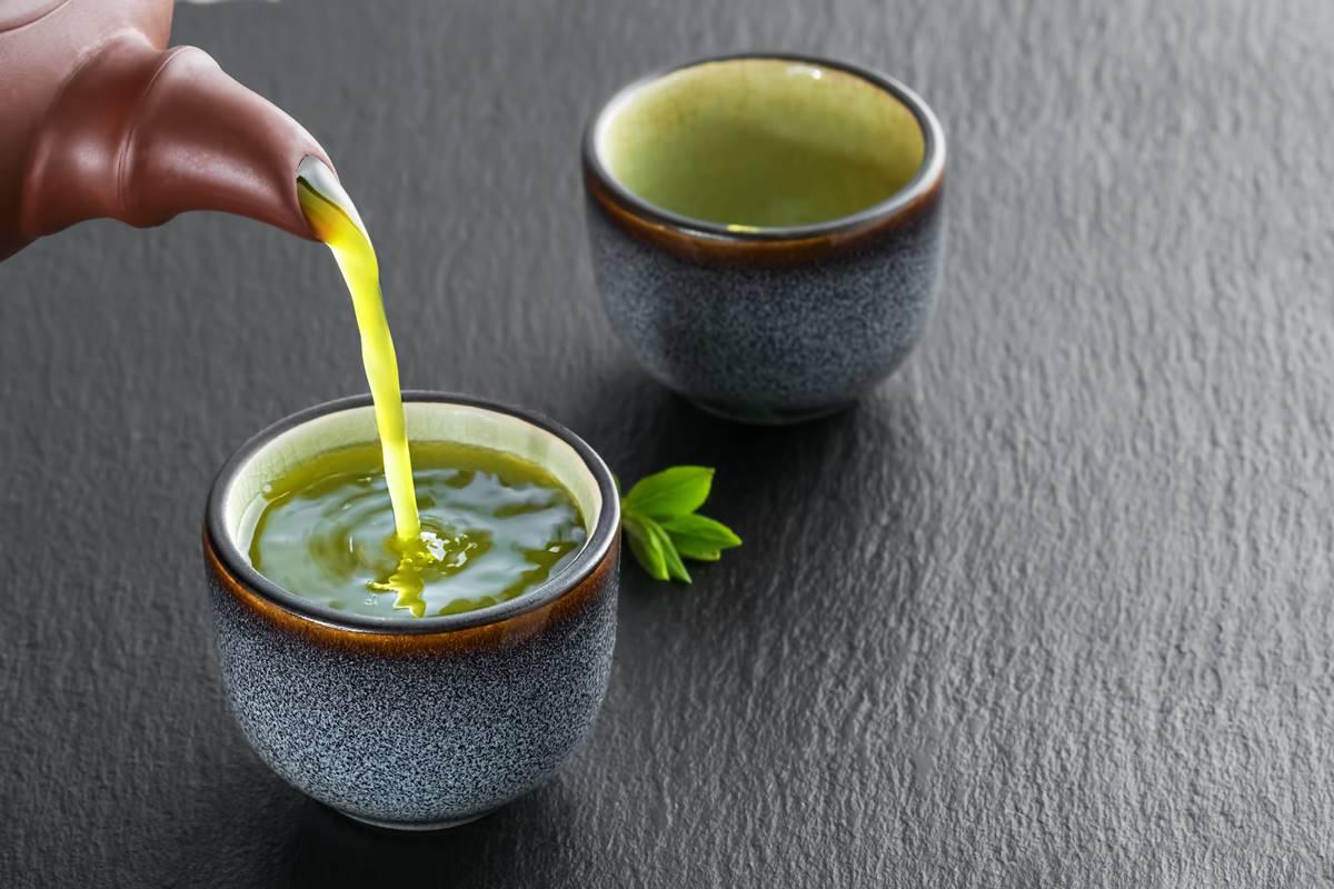 Yeşil Çayın Zararları Nelerdir? Nasıl Hazırlanır? Herkes İçebilir mi?