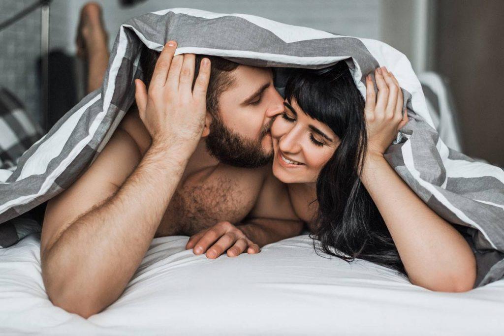 Kadınları Yatakta Nasıl Memnun Edersin?
