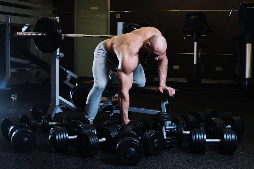 En İyi Göğüs Kası Egzersizlerinden Decline Dumbbell Press