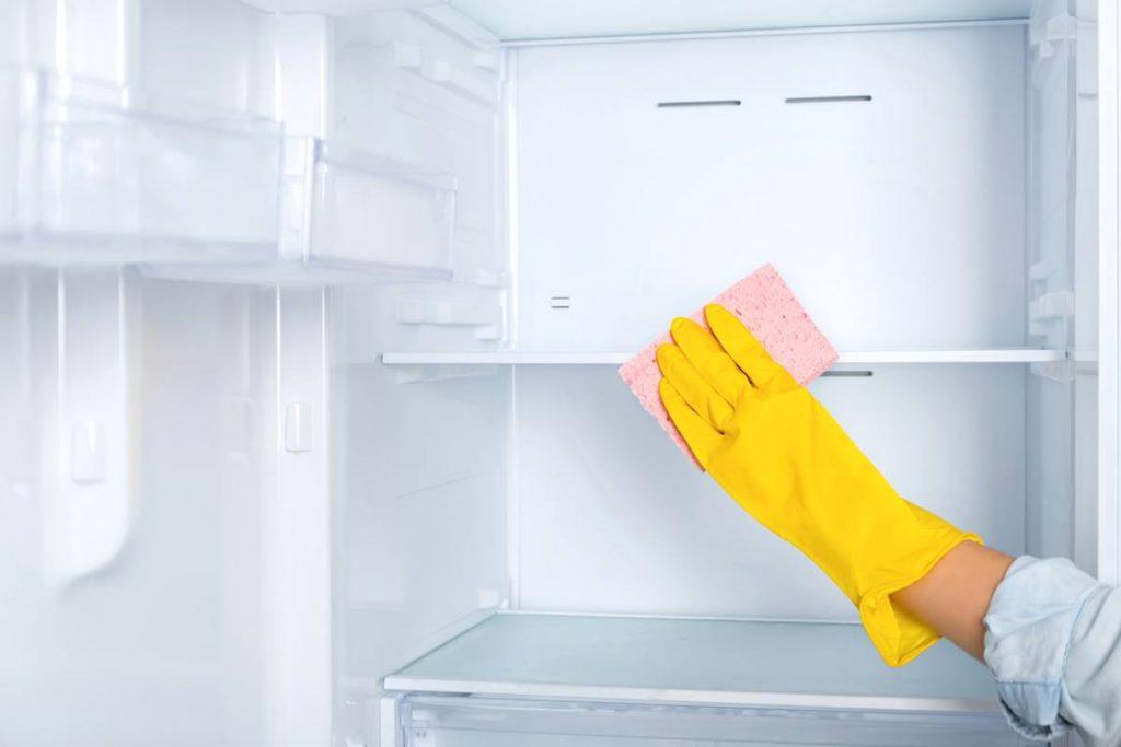 Buz Tutan Buzdolabı Nasıl Temizlenir?