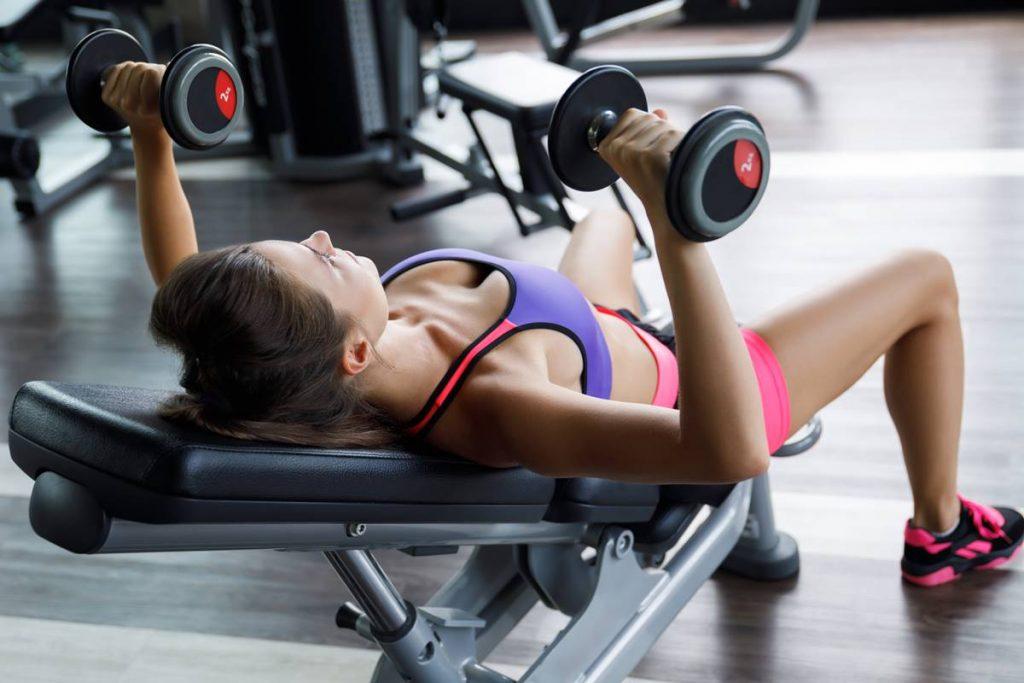 En İyi Göğüs Kası Egzersizi Dumbbell Squeeze Press
