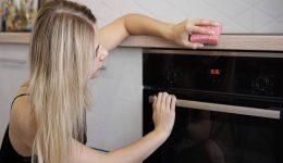 Fırın Nasıl Temizlenir? Yanık Tepsi Temizlemenin En İyi Yolu