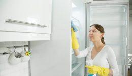 Buzdolabı Nasıl Temizlenir? Sarı Lekeleri Çıkarmanın Püf Noktaları