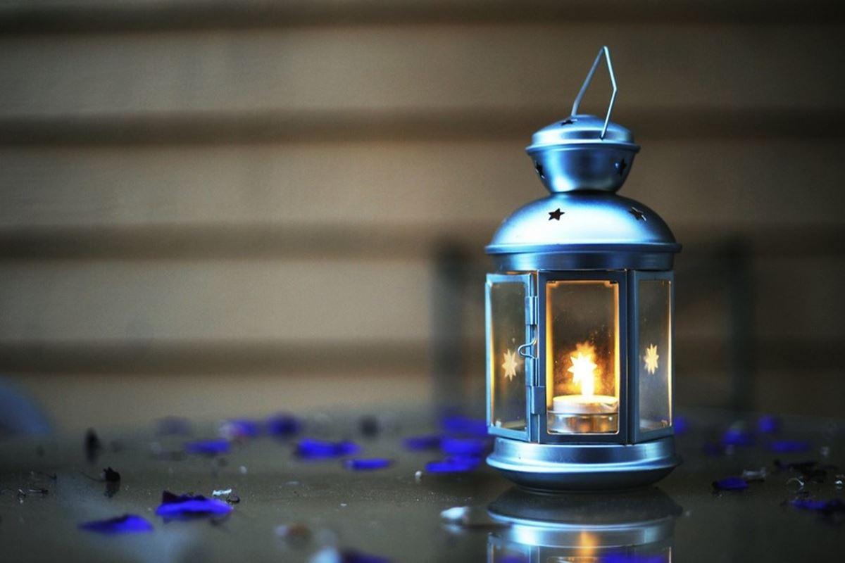 Bir Sihirli Fenerim Kibritsiz de Yanarım Bilmecesi