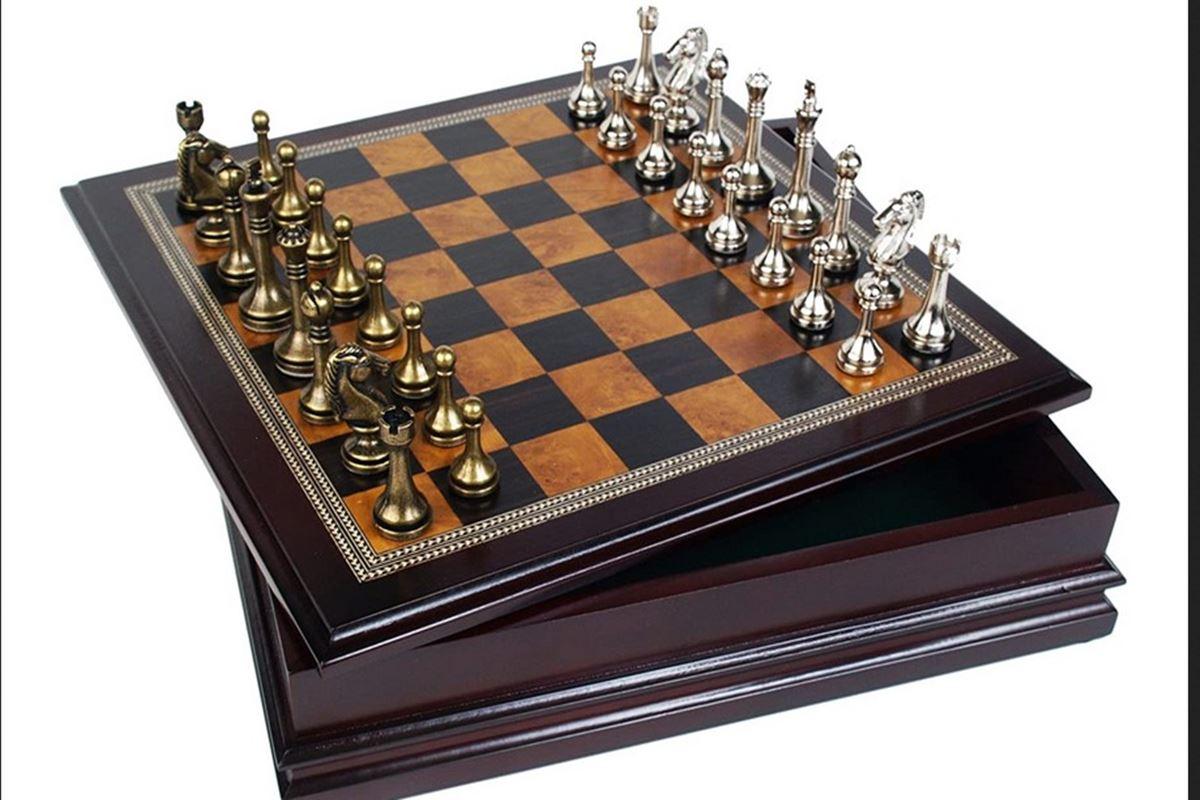 """Bir Satranç Tahtasında Kaç Tane """"Kare"""" Vardır Bilmecesi"""