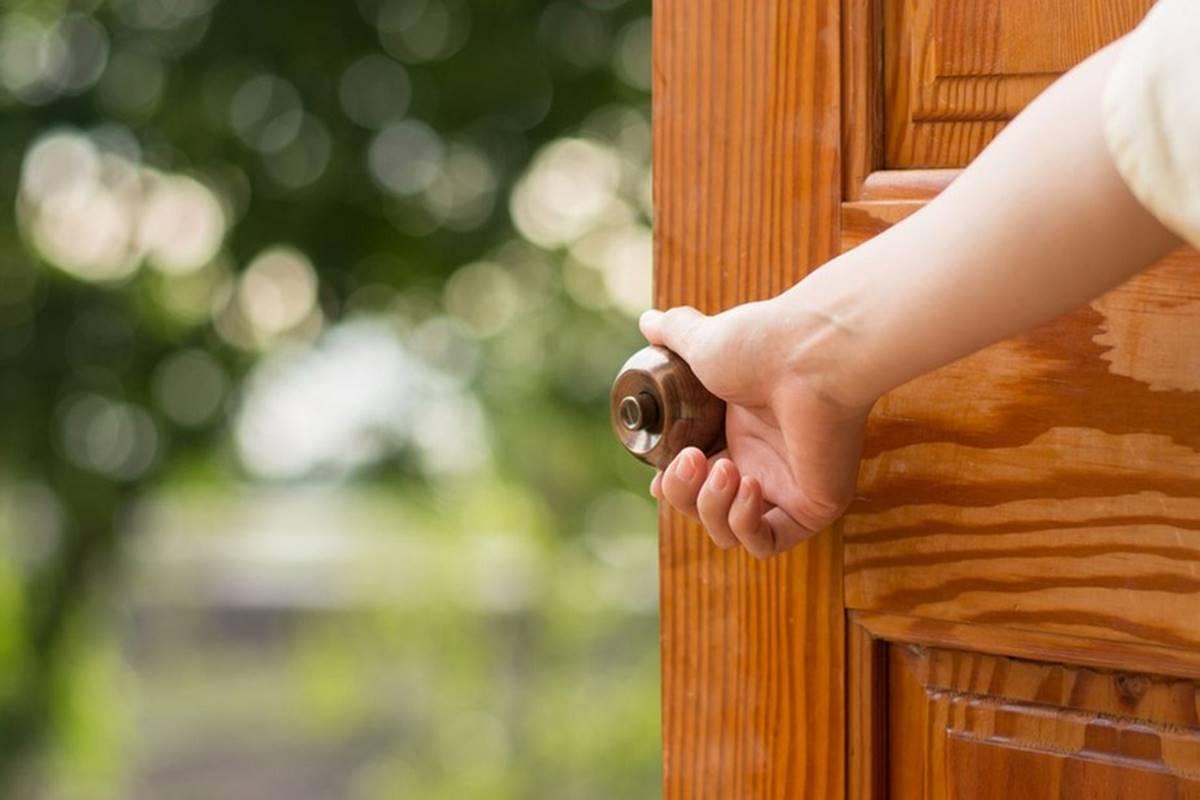 Elsiz Ayaksız Kapı Açar Bilmecesi